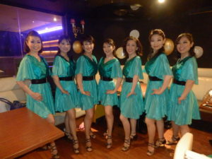Mambo Inn Shine Team